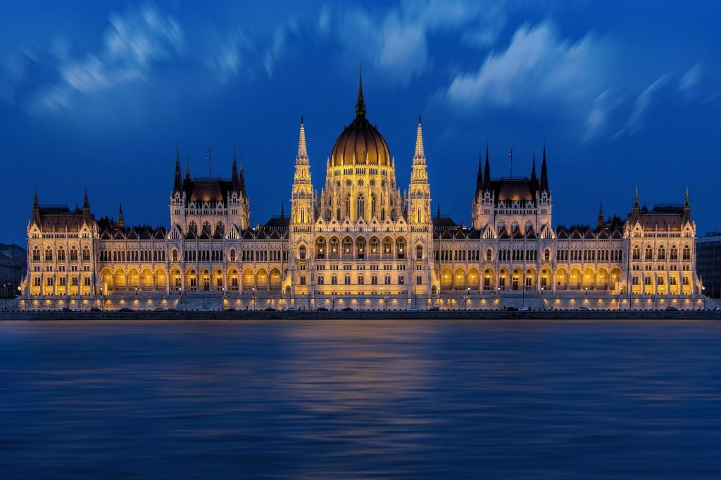 palais budavar budapest